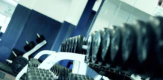 Jak ćwiczyć na siłowni?